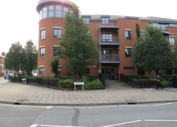 2 bed flat for sale in Buckingham Street, Aylesbury HP20