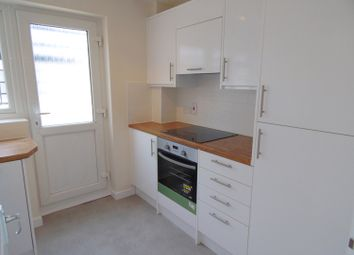 Thumbnail 2 bed detached bungalow to rent in Farm Road, Abingdon