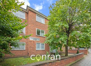 Thumbnail Flat to rent in Weathersfield Court, Court Road, Eltham, London