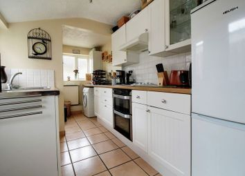 Thumbnail 2 bed terraced house to rent in Oxford Street, Caversham, Reading