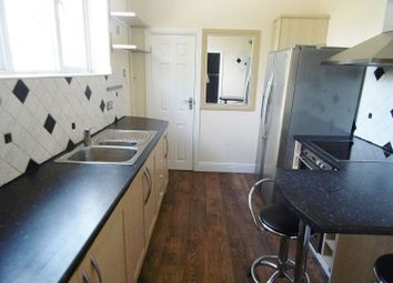 Thumbnail 2 bedroom flat to rent in Oakley Lane, Oakley, Basingstoke