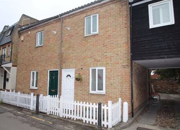 The Square, Woodford Green, Essex IG8. 2 bed mews house