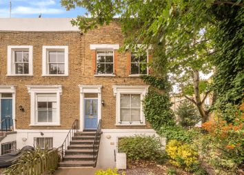 Yeate Street, Islington, London N1. 2 bed maisonette