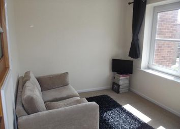 Thumbnail 2 bed flat to rent in Phoenix House, High Street, Hull