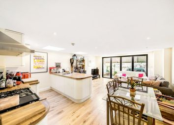2 bed flat to rent in Ashmere Grove, London SW2