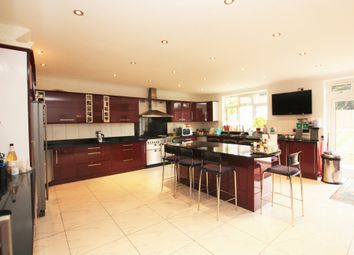 Thumbnail 4 bed terraced house to rent in Crespigny Road, Hendon
