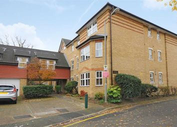 Thumbnail 2 bed flat to rent in Wycliffe Road, London