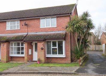 2 bed end terrace house for sale in Lapwing Drive, Totton, Southampton SO40