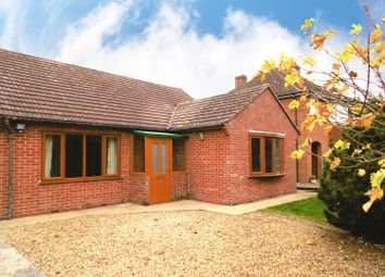 Thumbnail 2 bed detached bungalow to rent in Hanney Road, Steventon, Abingdon