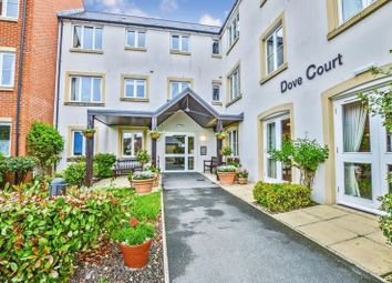 Thumbnail 2 bed flat for sale in Dove Court, Faringdon