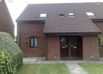 Thumbnail 1 bed flat to rent in Norton Road, Woodley, Reading
