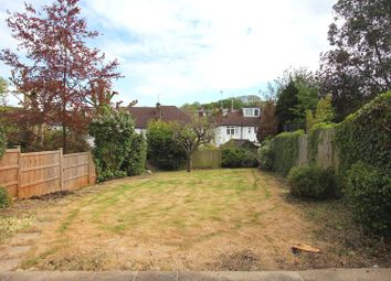 Thumbnail 2 bed flat to rent in Donovan Avenue, London