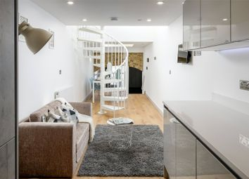 Thumbnail 2 bed flat to rent in Northcote Road, Clapham, London