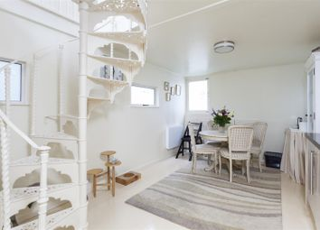 Thumbnail 1 bed flat to rent in Houseboat Penelope, Cheyne Walk, Chelsea
