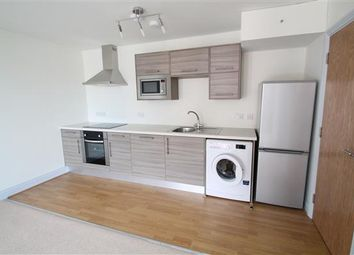 Thumbnail 1 bed flat to rent in Lion Green Road, Coulsdon