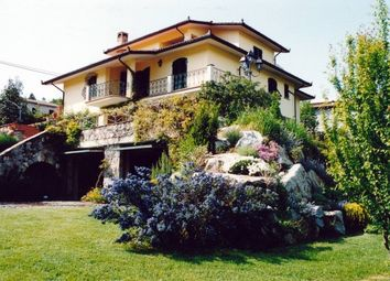 Thumbnail 4 bed country house for sale in Piazza Al Serchio, Lucca, Tuscany, Italy