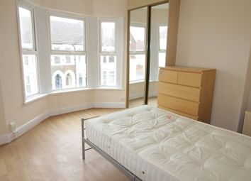 Thumbnail 3 bed property to rent in Dogfield Street, Roath, Cardiff