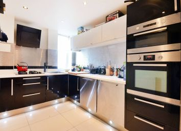 Thumbnail 2 bed flat to rent in Barrier Point Road, Silvertown