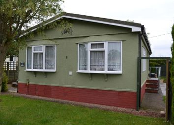 Thumbnail 2 bedroom mobile/park home for sale in Lime Close, Crookham Common, Thatcham