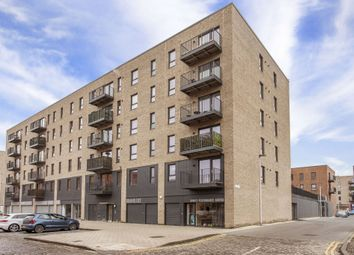 Thumbnail 2 bed flat for sale in 19/3 Salamander Place, Leith, Edinburgh