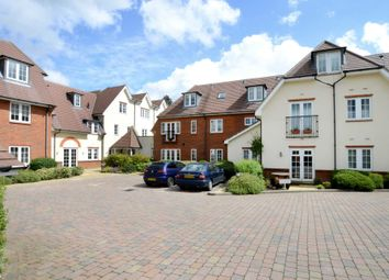 Thumbnail 2 bedroom flat for sale in Between Streets, Cobham