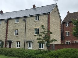 Thumbnail 3 bed town house to rent in Rysy Court, Swindon