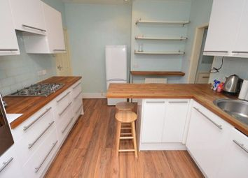 Thumbnail 2 bed flat to rent in Malyons Road, Lewisham, London