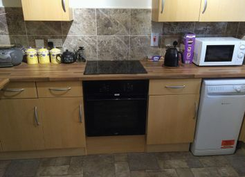 Thumbnail Room to rent in St. Leonards Road, London