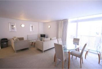 Thumbnail 2 bed flat to rent in Gainsborough House, Docklands, London