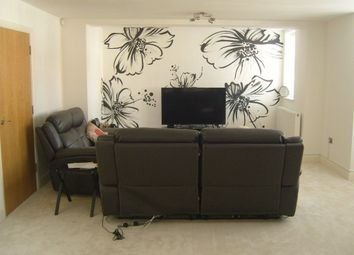 Thumbnail 2 bed flat to rent in Twinlock Ct, Vaughan Road