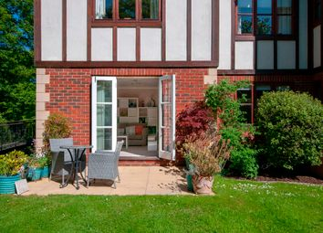 2 bed flat for sale in Eastbourne Road, Godstone RH9