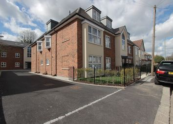 Thumbnail 2 bed flat to rent in Lancaster Road, New Barnet, Barnet