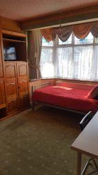 Thumbnail Room to rent in Blackbush Avenue, Romford, Essex
