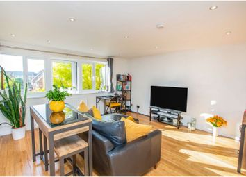 1 bed flat for sale in Amsterdam Road, London E14