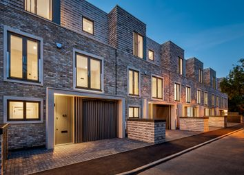 Thumbnail 4 bed town house for sale in Blagdens Row, Blagdens Lane, Southgate, London