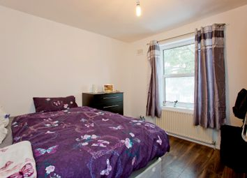 Thumbnail Room to rent in Davis Street, Newham, Stratford, Plaistow. Canary Wharf