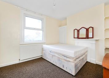 Thumbnail 2 bedroom flat to rent in Kings Parade, Askew Road, London