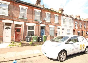 Thumbnail 1 bed flat to rent in Shirley Road, Luton
