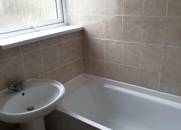 2 bed flat to rent in Richmond Hill, Luton LU2