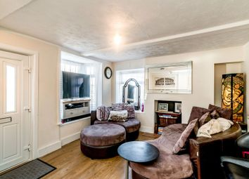 Waterside, Chesham HP5. 2 bed end terrace house