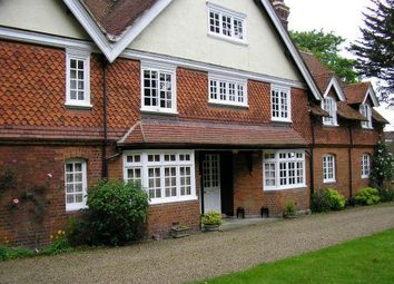 Thumbnail 1 bedroom flat to rent in Backsideans, Wargrave, Reading
