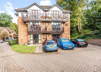 Thumbnail 2 bed flat to rent in Sunninghill, Ascot