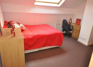 Thumbnail 5 bedroom shared accommodation to rent in Thornville Crescent, Hyde Park, Leeds