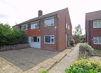 2 bed flat to rent in Wolsey Close, Hounslow TW3