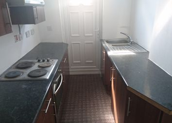 Thumbnail 3 bed flat to rent in Vicarage Road, Oldbury