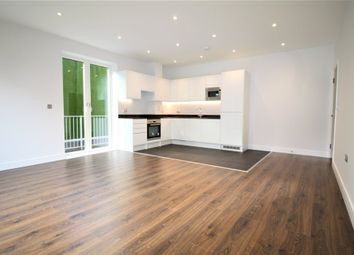 Thumbnail 2 bed flat to rent in Aldenham Road, Bushey
