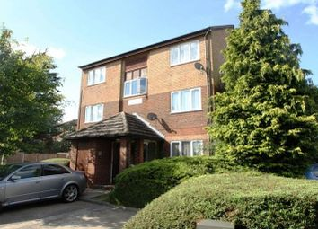 Thumbnail 1 bed flat to rent in Alder Crescent, Luton