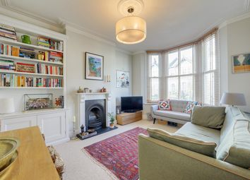 Theodore Road, Hither Green, London SE13. 2 bed flat for sale