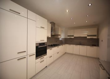 4 bed property to rent in Ashley Lane, Hendon, London NW4