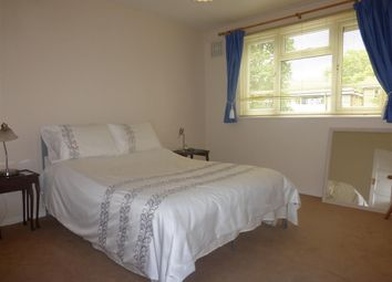 Thumbnail 2 bedroom flat to rent in Denmark Gardens, Carshalton